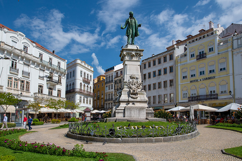 center-square-coimbra-portugal-with-statue.jpg