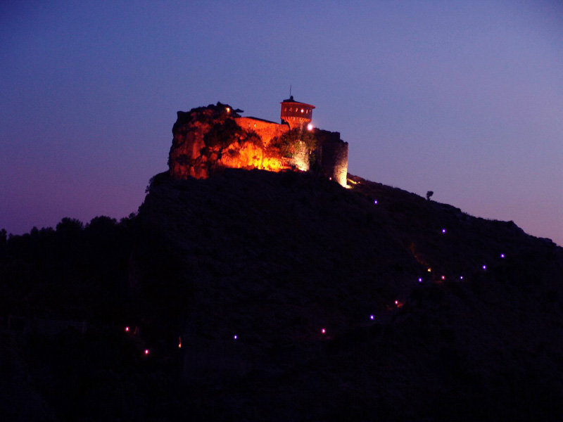 photo-petrela-castle-albania_.jpg