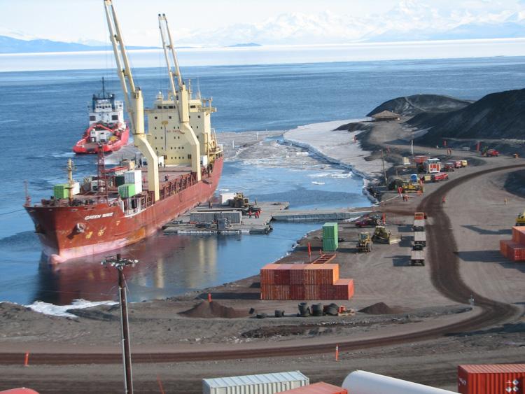 antarctica-ship-at-mcmurdo-station-005-photo.jpg