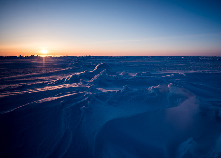 arctic-circle-sheet-of-ice-known-as-an-ice-floe-018-photo.jpg