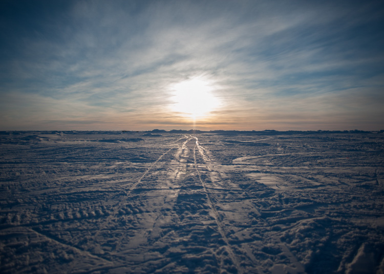 arctic-sheet-of-ice-known-as-an-ice-floe-004-photo.jpg