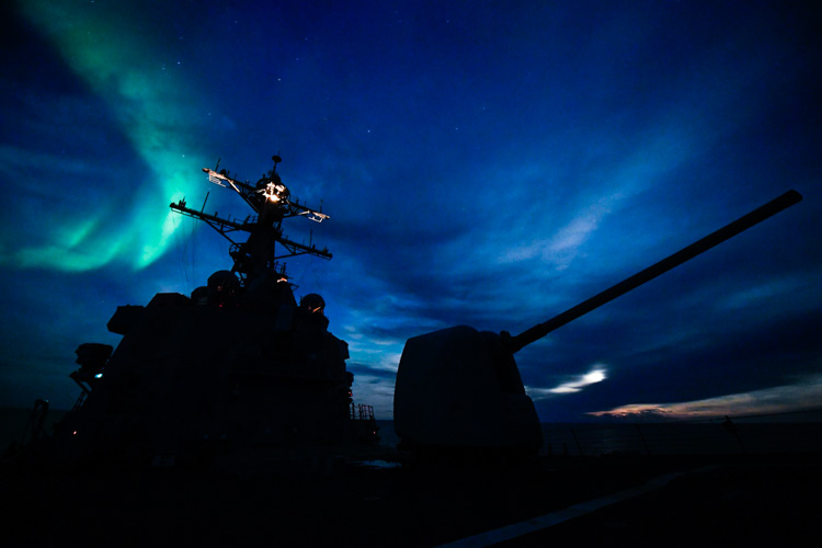northern-lights-arctic-circle-183-photo.jpg