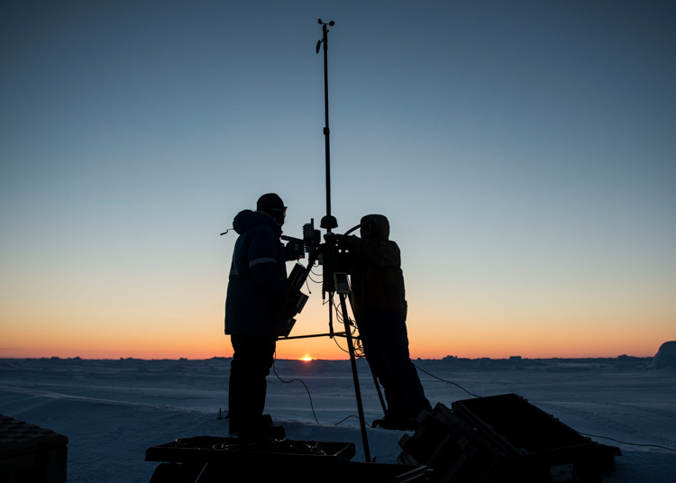set-up-an-advanced-automated-weather-observation-system-arctic-circle-046-photo.jpg