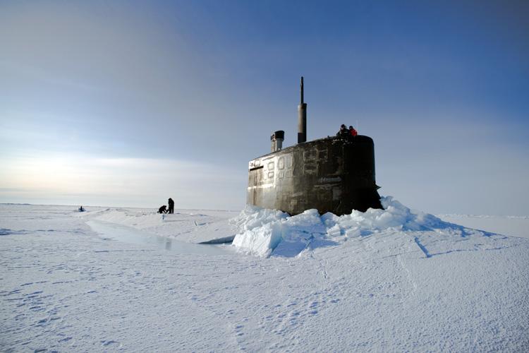 submarine-under-ice-in-the-arctic-293-photo.jpg