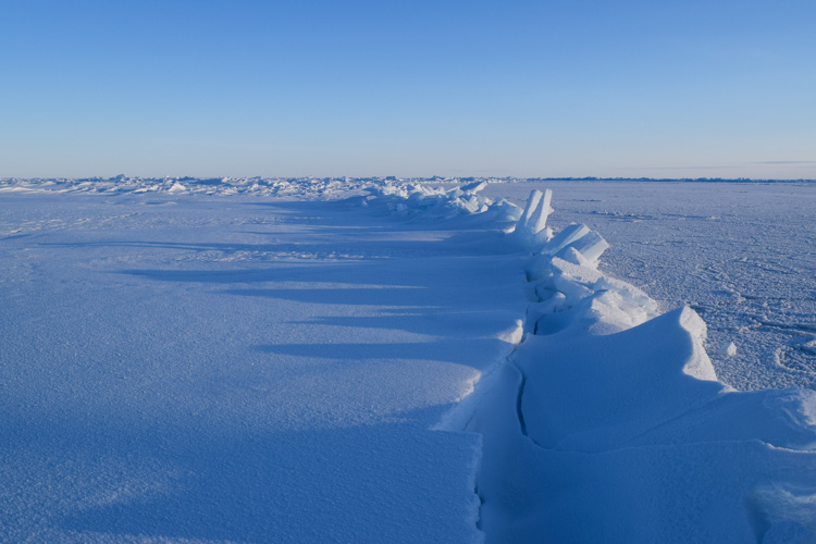 two-ice-floes-collide-and-create-a-fault-line-in-the-arctic-circle-102-photo.jpg