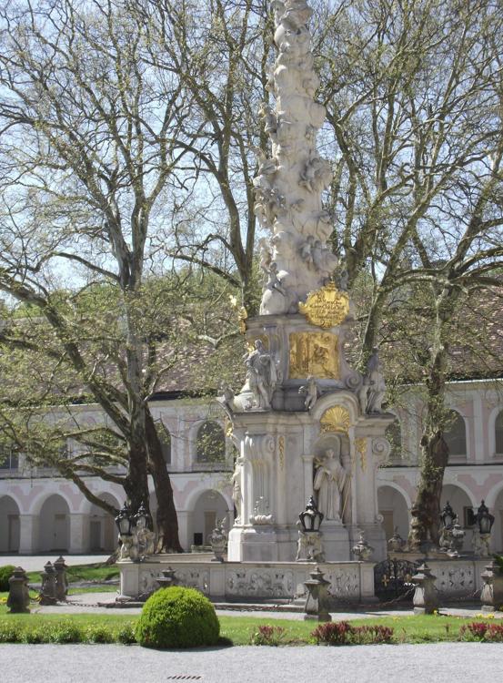 The-Baroque-Holy-Trinity-Column-in-the-large-inner-court-of-Heiligenkreuz-Abbey.jpg