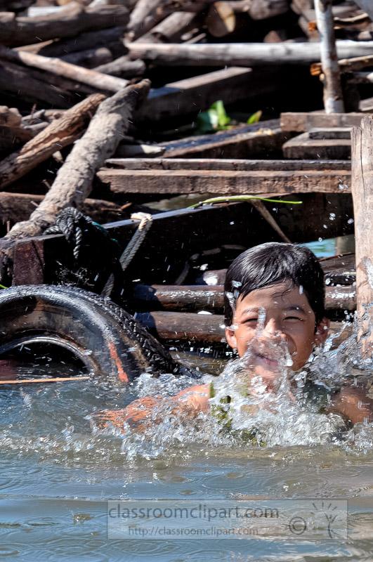 Photo-Floating-Village-of-Chong-Khneas-14.jpg
