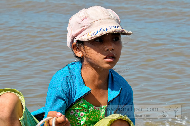 Photo-Young-Girl-on-Boat-Floating-Village-of-Chong-Khneas-04.jpg