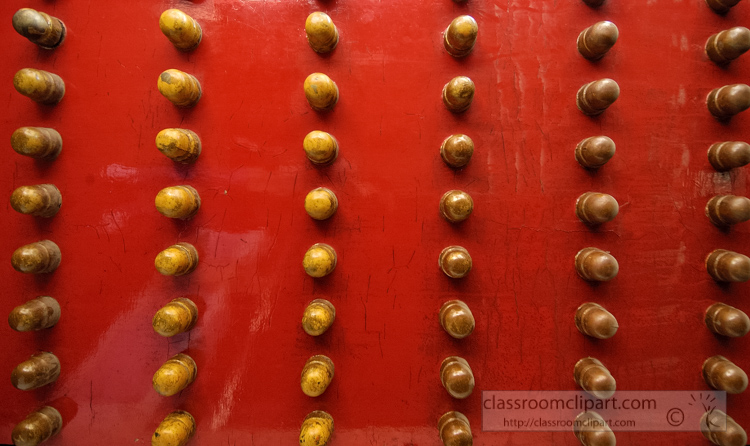 photo-red-and-gold-doors-at-the-ming-tombs-6422a.jpg