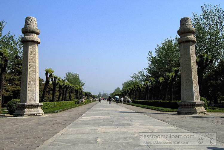 photo-sacred-way-ming-tombs-6277a.jpg