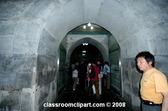 tombs3_33.jpg