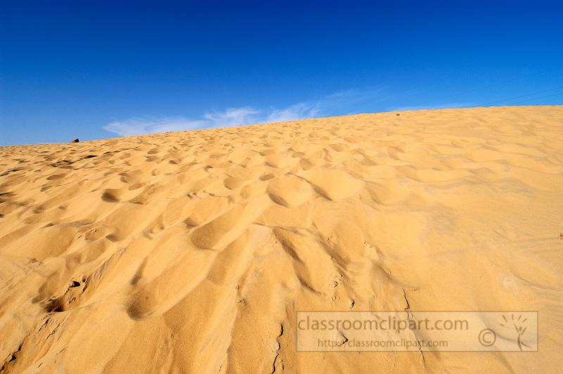 colored-sands-of-the-egyptian-desert-photo-3650.jpg