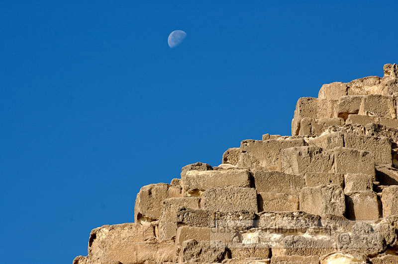 closeup-great-pyramids-giza-egypt-photo_5345a.jpg