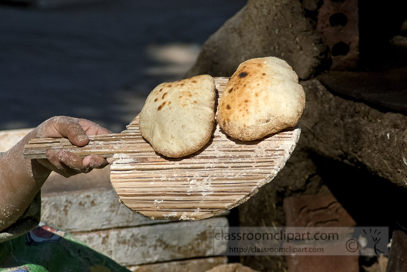 egyptian-women-making-fresh-bread_5432-ga.jpg