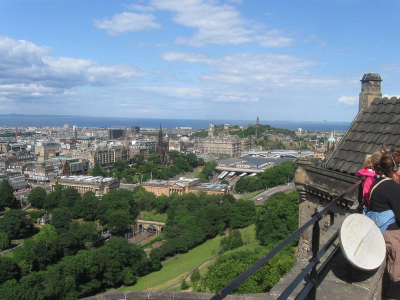 Edinburgh-from-its-castle.jpg