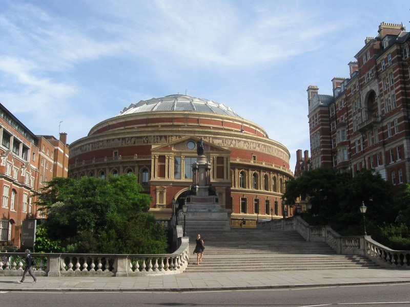 Royal-Albert-Hall-in-London-England.jpg