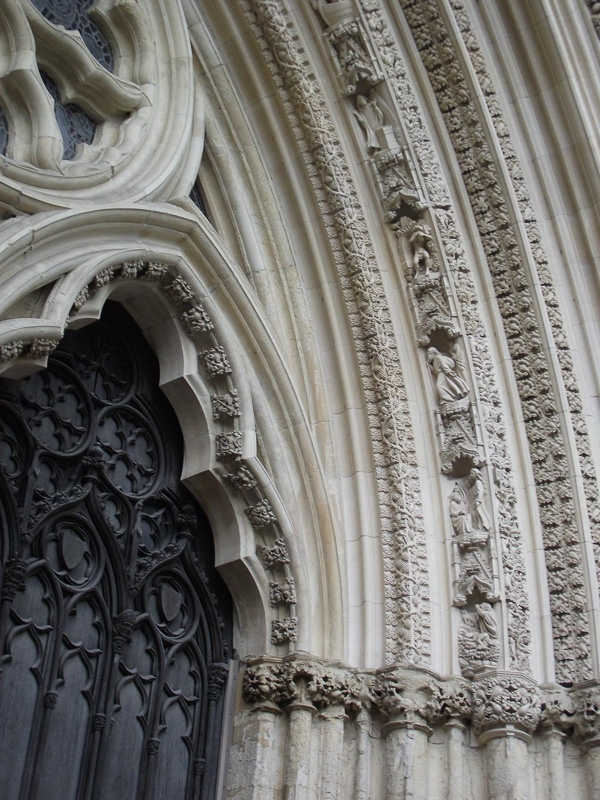 close-up-of-one-of-the-York-Minster-entrances.jpg