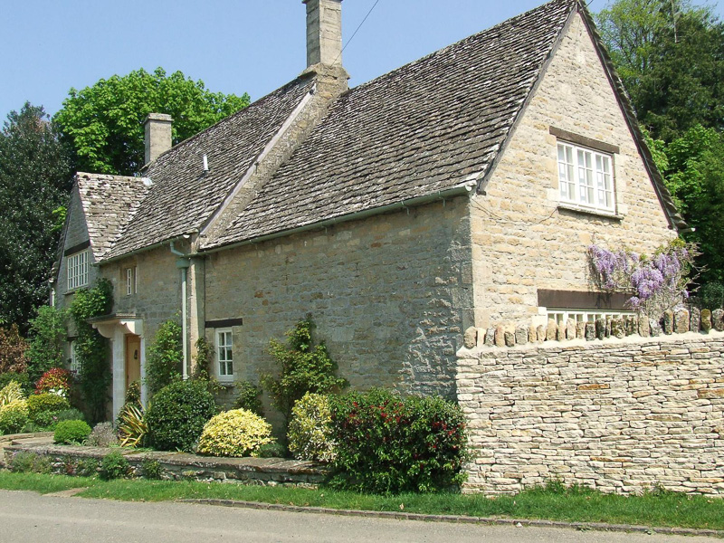 cotswolds-house-built-of-locally-quarried.jpg