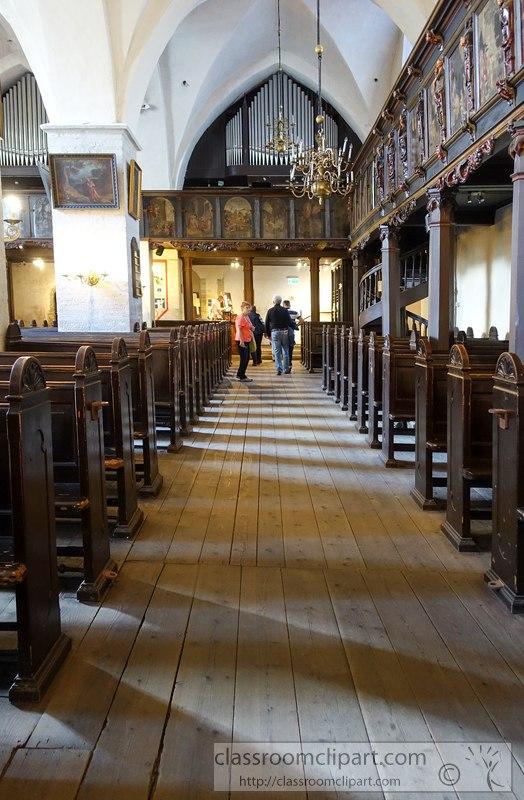 tallin-estonia-interior-old-church-image-02374b.jpg