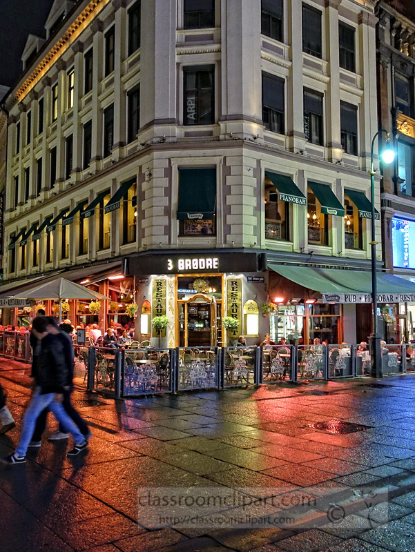 outdoor-restaurant-downtown-oslo-norway-at-night-photo-image-17382.jpg