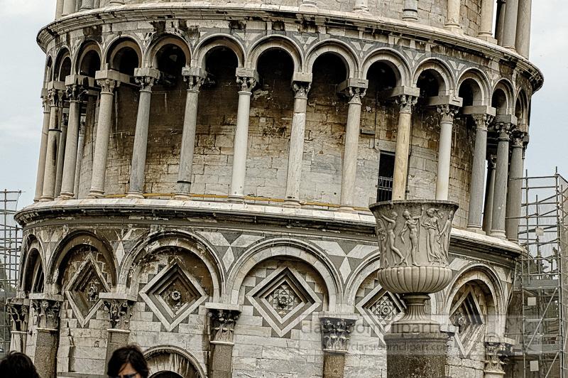 Photo-learning-tower-of-pisa-1249E.jpg