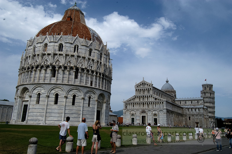 Square-of-Miracles-Baptistry-Cathedral-Pisa-Italy-7772.jpg