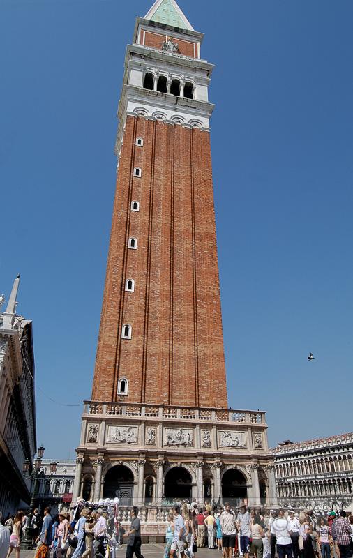 Campanile-Piazza-San-Marco-Venice-8204a.jpg