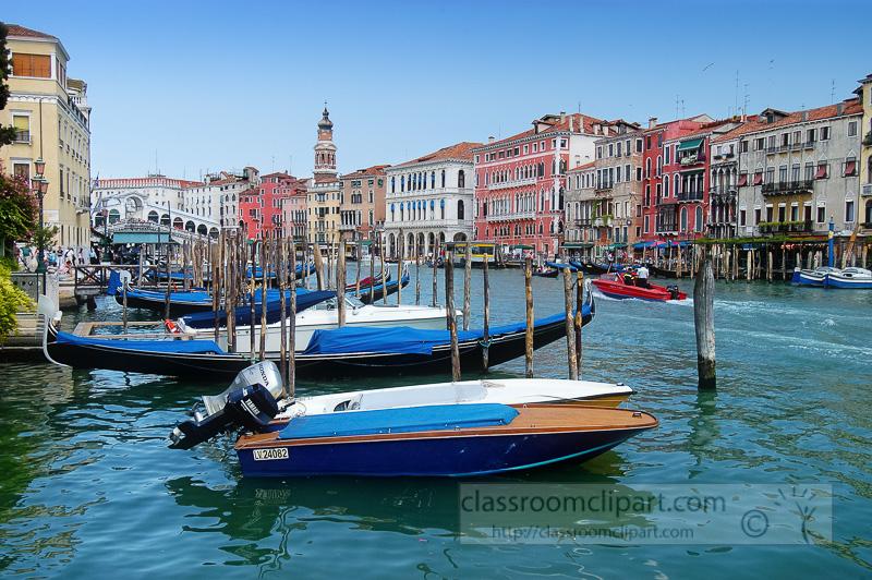 Gondolas-long-the-Grand-Canal-Venice-Italy-Photo-8406-copy.jpg
