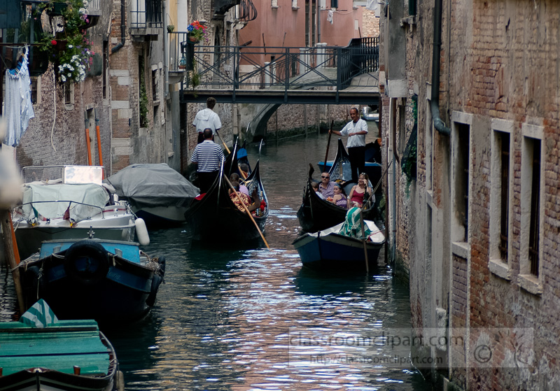 Venetian-gondolas-Photo-1742a.jpg