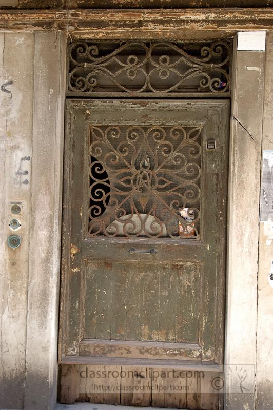 old-doorway-along-alley-in-Venice-Italy-8343.jpg