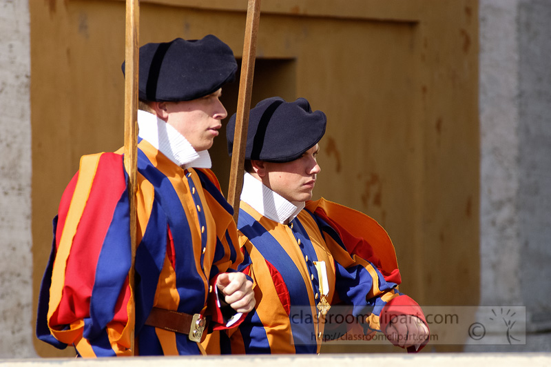 vatican-swiss-guards-st-peters-rome-italy-photo_7571.jpg