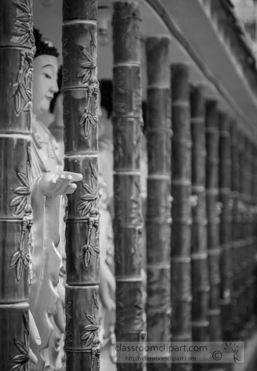 Buddha-statue-in-Kek-Lok-Si-temple-black-white-photo-penang-7972.jpg