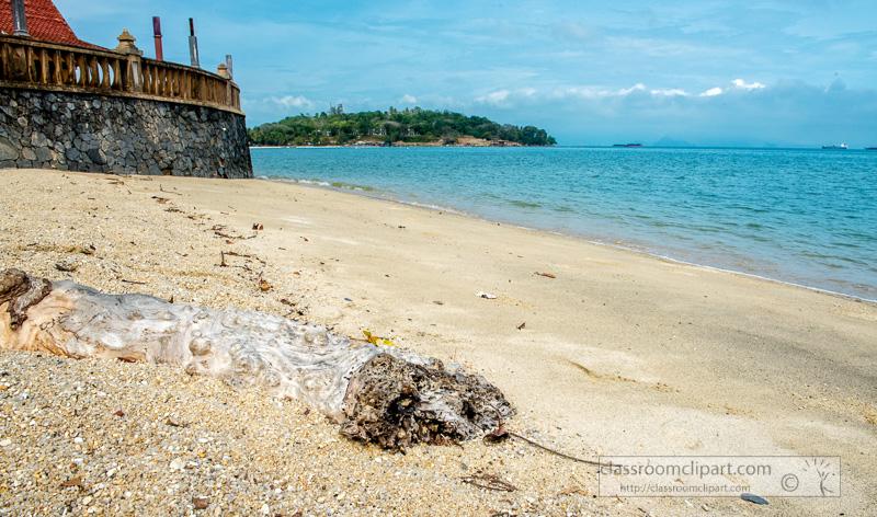 beautiful-beach-langkawi-malaysia-7077E.jpg