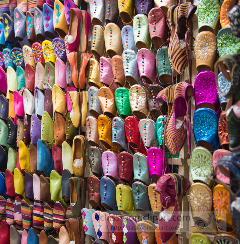 Colorful-Leather-Moroccan-slippers-for-sale-in-souk-Morocco-Photo-Image-5890-2.jpg