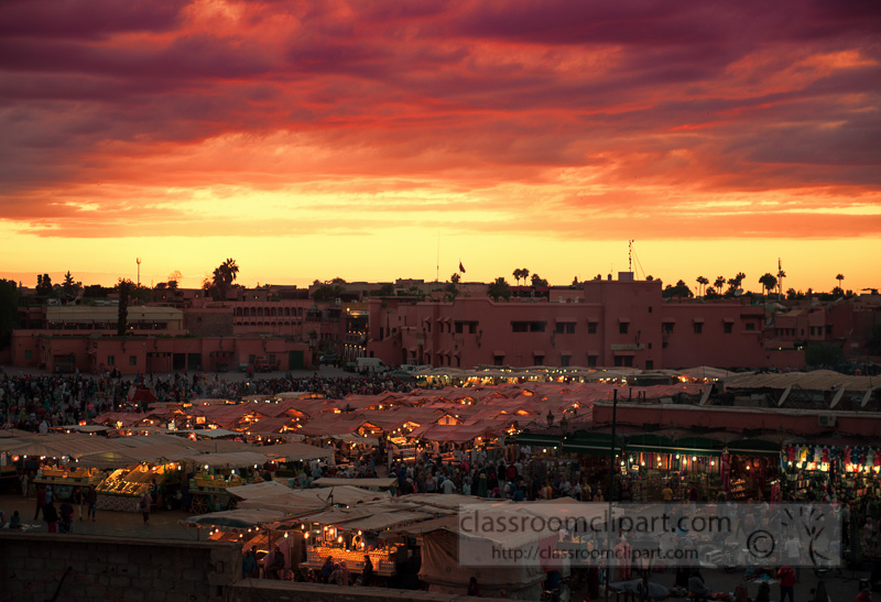 Djamaa-El-Fnathe-main-square-in-Marrakesh-at-sunset_photo-image-6674T.jpg