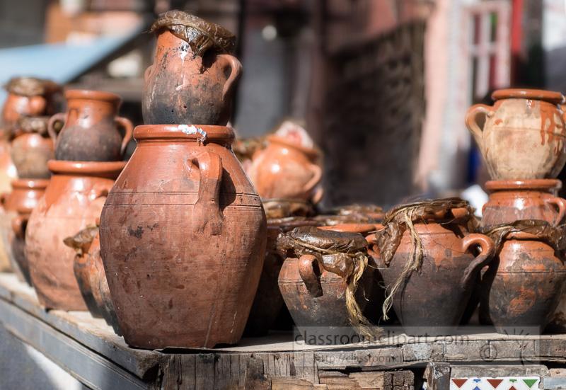Food-Cooking-in-Clay-Handmade-Tajine-Pots-Photo-Image-5880EE-2.jpg