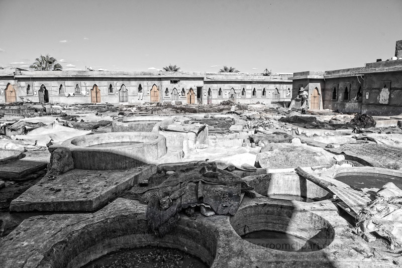 black-white-photo-of-stone-vessels-tannery-marrakesh-morocco-image-6846.jpg