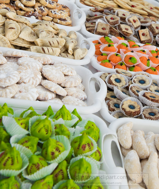 cookies-deserts-on-display-for-sale-traditional-Moroccan-market-6075.jpg