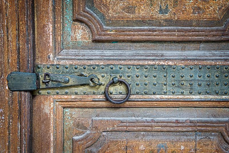 wood-door-Marrakech-Morocco-6436B-Edit.jpg