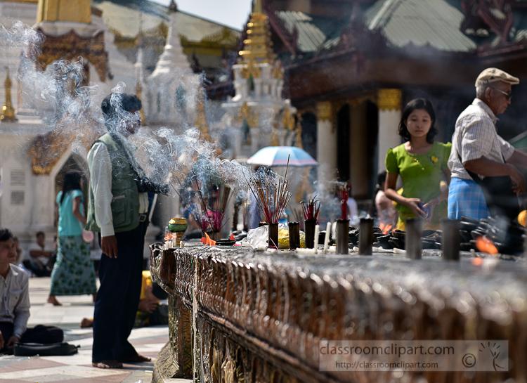 Incense-burning-Shwedagon-Pagoda-in-Yangon-Myanmar-6702AE.jpg