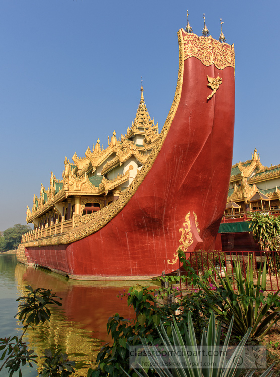 Karaweik-Royal-Barge-situated-at-Kandawgyi-Lake-Yangon-Myanmar-6535E.jpg