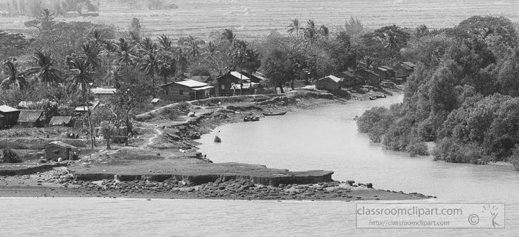 Life-along-the-Yangon-River-Myanmar-6325ABW.jpg