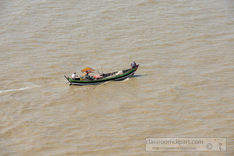 small-fishing-boats-along-the-Yangon-River-Myanmar-6289rp.jpg