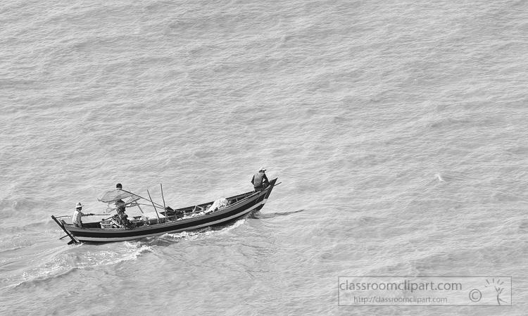 small-fishing-boats-along-the-Yangon-River-Myanmar-6292BW-2.jpg
