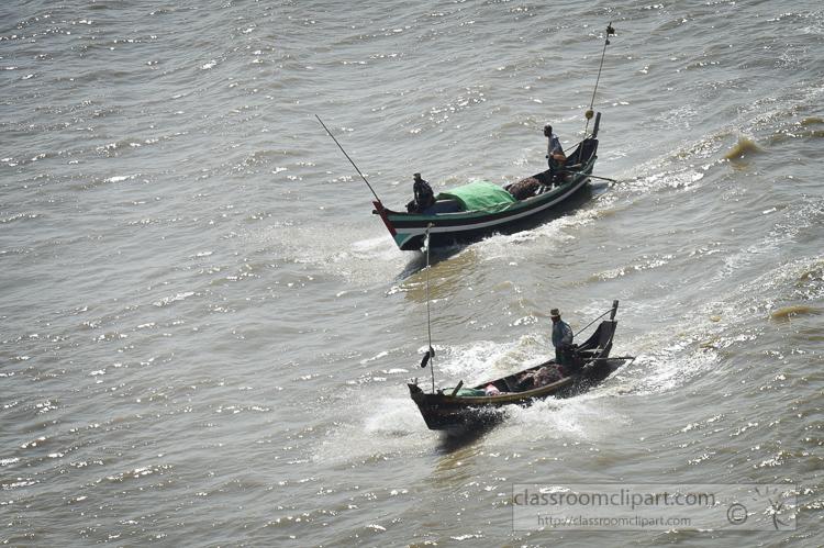 small-fishing-boats-along-the-Yangon-River-Myanmar-6298AEE.jpg