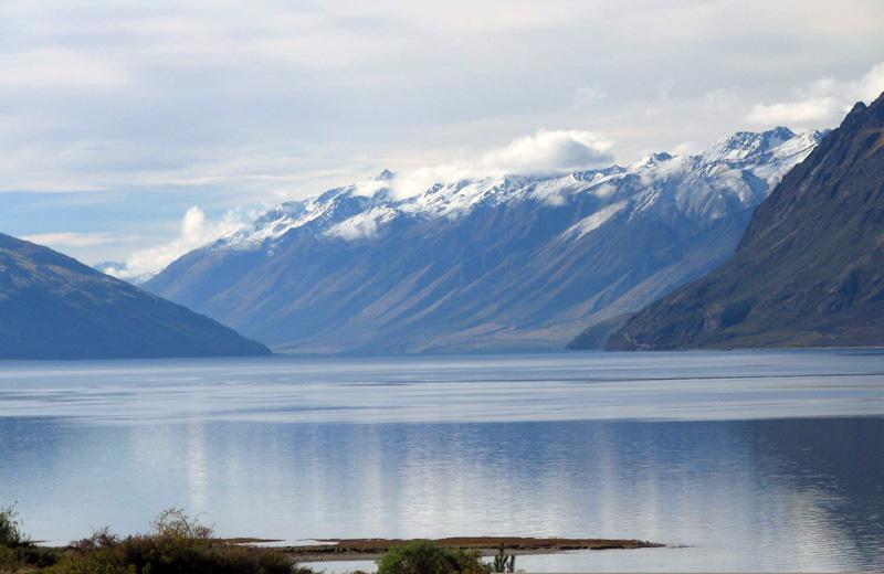 lake-in-south-island-new-zealand.jpg