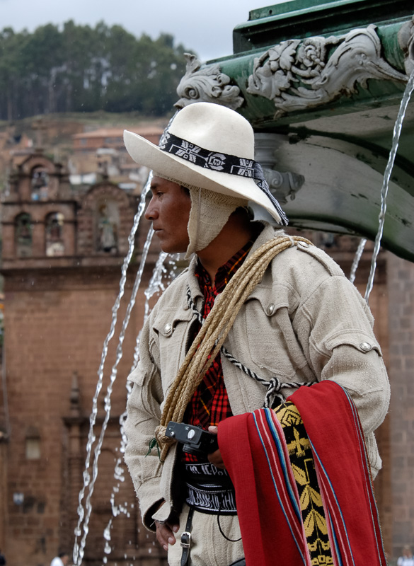 Man-wearing-traditional-costumes-Cuzco-Peru-002.jpg