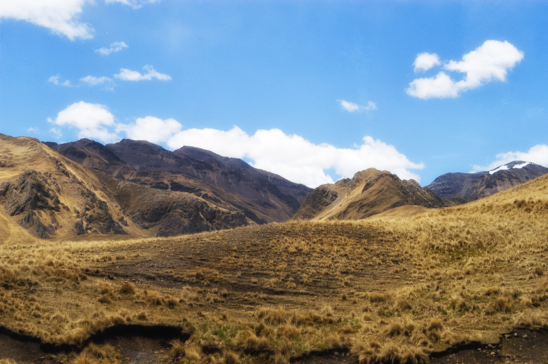 Andes-Mountains-in-Peru_014EE.jpg