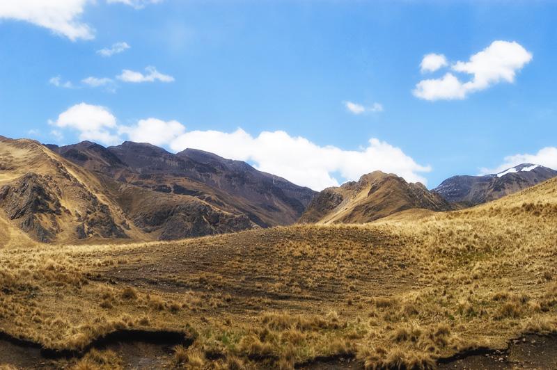 Andes-Mountains-in-Peru_014EEE.jpg
