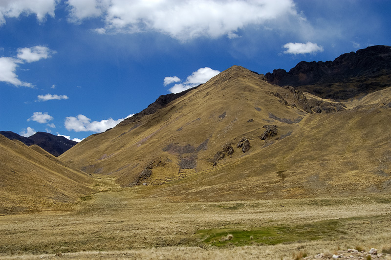 Andes-Mountains-in-Peru_017.jpg